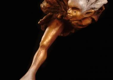 Claire-Alexie Turcot Collection: L'allégorie des ambiguïtés, Résine, Poudre de bronze, tiges d'acier, pierre-Photo: Benoît Lemay