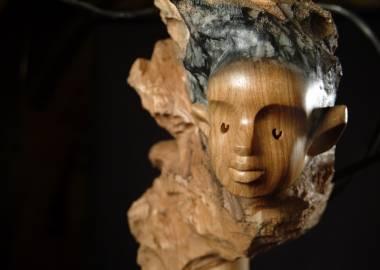 Claire-Alexie Turcot Collection: L'allégorie des ambiguïtés, Noyer cendré, tiges d'acier, pierre-Photo: Benoît Lemay