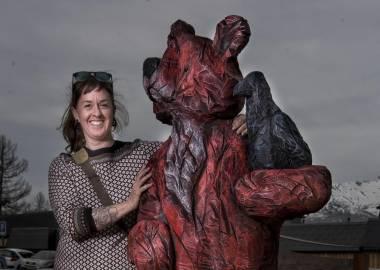 Claire-Alexie Turcot Pin, acrylique, 200 cm x 85 cm x 70 cm, Symposium de sculpture monumentale des Karellis 2017, France-Olivier Oberling