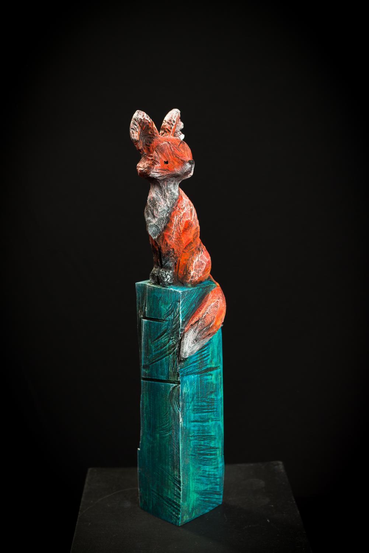 Collection ''Les Entaillés'', Tilleul, acrylique, 56 cm x 12 cm x 12 cm, 2014-Photo: Benoît Lemay