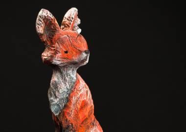 Claire-Alexie Turcot Collection ''Les Entaillés'', Tilleul, acrylique, 56 cm x 12 cm x 12 cm, 2014-Photo: Benoît Lemay
