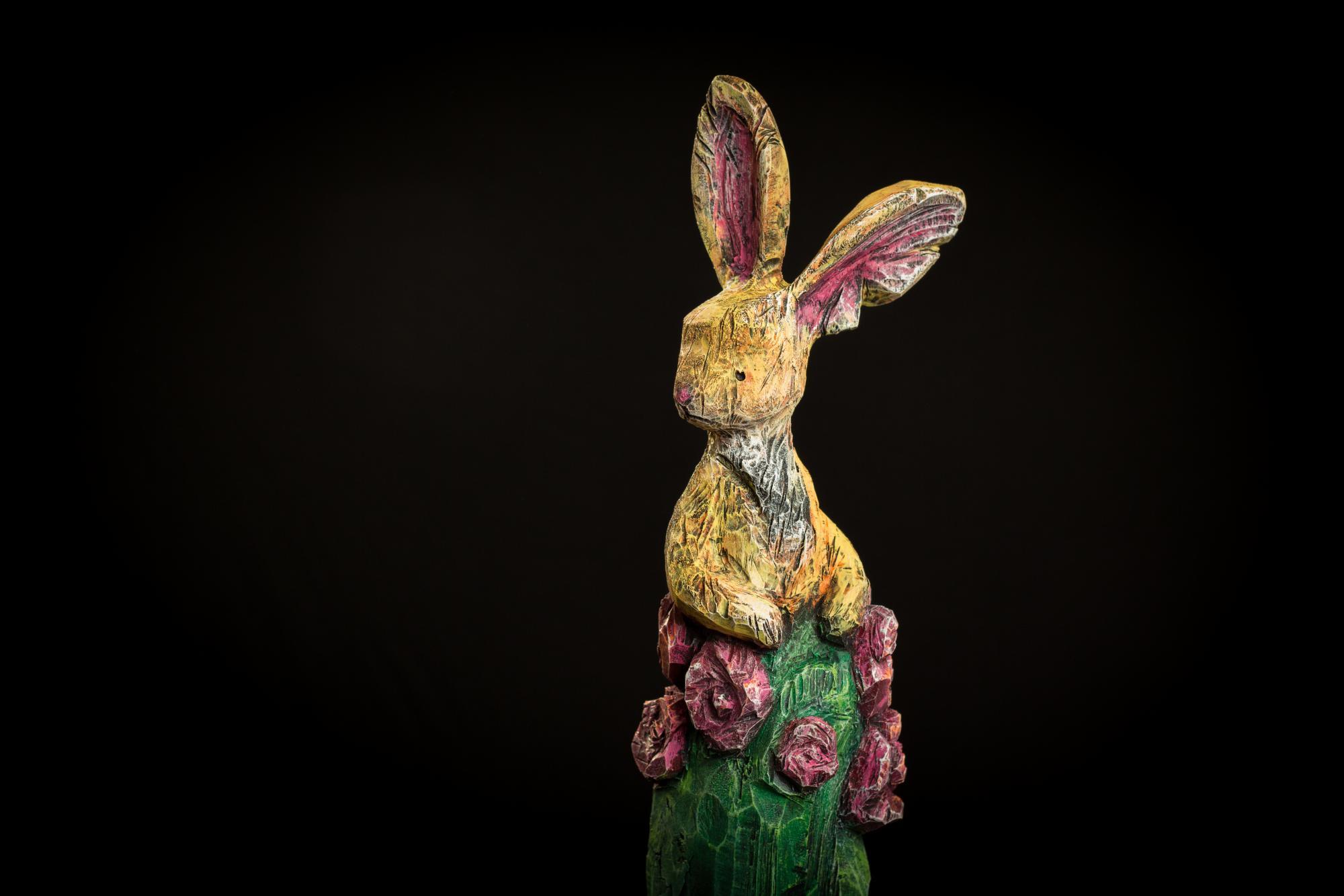 Collection ''Les-Entaillés'', Tilleul, acrylique, 68 cm x 16 cmx 10 cm, 2014-Photo: Benoît Lemay