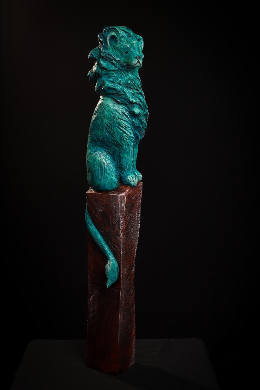 Collection ''Les Entaillés'', Tilleul, acrylique, 105 cm x 15 cm x 17 cm, 2014-Photo: Benoît Lemay