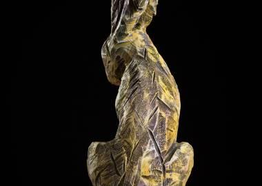 Claire-Alexie Turcot Collection ''Les Entaillés'', Tilleul, acrylique, 82 cm x 36 cm x 33 cm, 2015-Photo: Benoît Lemay