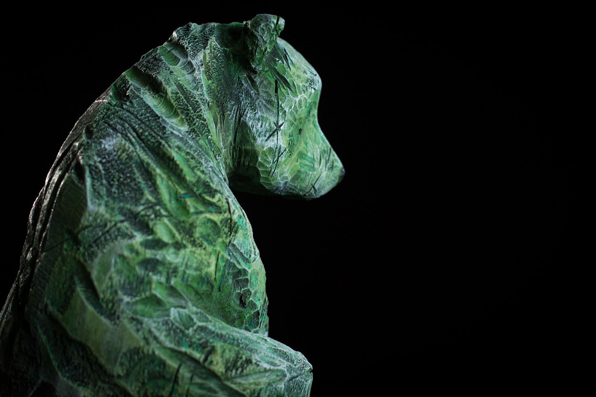 Collection ''Les Entaillés'', Tilleul, acrylique, 70 cm x 20 cm x 18 cm, 2014-Photo: Benoît Lemay