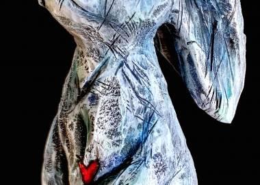 Claire-Alexie Turcot Collection ''Les Entaillés'', Tilleul, acrylique, 75 cm x 20 cm x 16 cm, 2015-Photo: Claire-Alexie Turcot